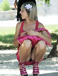 Hot upskirt girls..