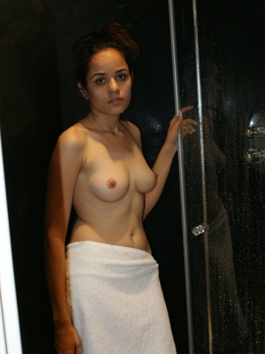 Nude and hot housewives sex picture galleries. Best amateur porn.