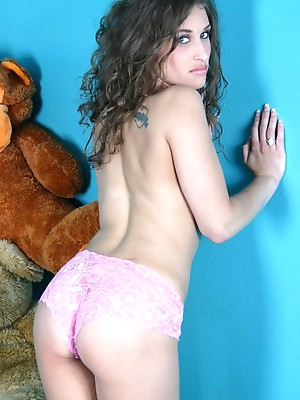 Sweet babes pictures on ritzysexlinks. All your amateur babes fantasies.